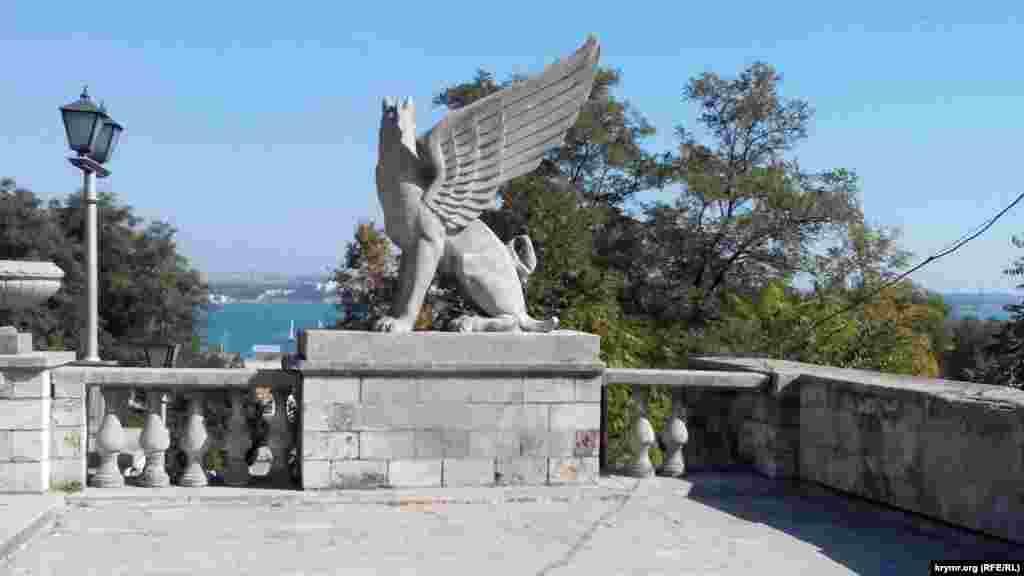 Керчи разрушается символ города Митридатская лестница