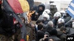 Протестите во Грција