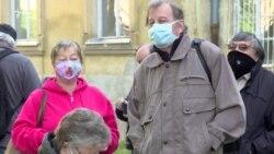 Чехія масово тестує людей на колективний імунітет на COVID-19 – відео