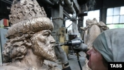 The statue has been condemned by various factions within Russia's political establishment -- including government officials in Moscow, opposition politicians, and journalists.