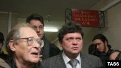 Правозащитники считают, что условный приговор Дмитриевскому - затишье перед бурей