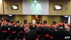Католик шіркеуі кардиналдарының жиыны. (Көрнекі сурет).