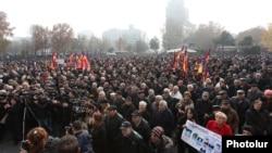 Оппозиция жақтастарының шарасы. Ереван, 11 желтоқсан 2014 жыл.