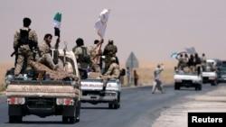 ارتش دموکراتیک سوریه از گروههای تحت حمایت ائتلاف آمریکا در مسیر رقه