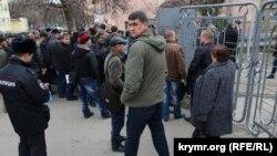Черги до військкомату в Криму, 17 грудня 2014 року