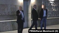 Visoki predstavnik u BiH Valentin Inzko (prvi lijevo) nakon sastanka s Izetbegovićem i Čovićem u Sarajevu, 10. juni