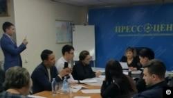 Юристы общественного объединения «Гражданский совет Карагандинской области» во время пресс-конференции. Караганда, 28 марта 2019 года.