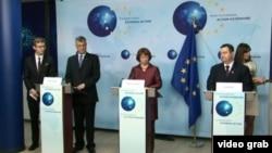 Premijeri Srbije i Kosova Ivica Dačić i Hašim Tači sa Ketrin Ešton nakon jednog od sastanaka u Briselu