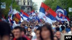 Косово менен келишимге каршы сербдердин демонстрациясы. Белград, 22-апрель, 2013-жыл.