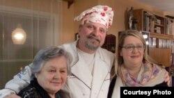 Лариса Фрумкина, Александр Генис и Аня фон Бремзен (фото: Ирина Генис)