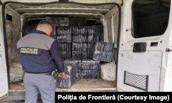 Contrabanda cu țigări este una dintre activitățile preferate ale mafiei transfrontaliere. Un miliard de euro pierde bugetul public din lipsa încasărilor din accizele pe aceste produse