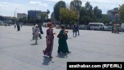 Türkmenistanly migrantlar galp dokumentler bilen aldawa salynýar