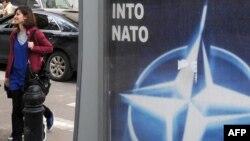 По мнению Наны Девдариани, важно не то, что Грузия стремится в НАТО, а то, что она должна соответствовать каким-то нормам и стандартам, чего нет в реальности
