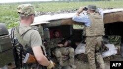 На позиции украинских военных в Луганской области
