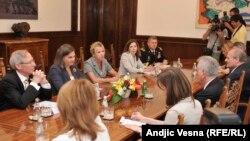 Pamje nga takimi Nuland - Nikolliq në Beograd