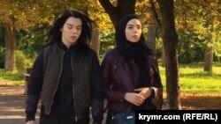 Дарья (л) и Мерьем (п) Региль
