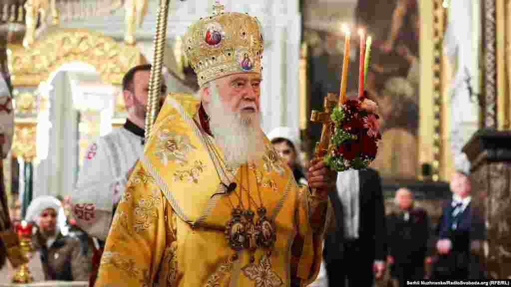 Патріарх Української православної церкви Київського патріархату Філарет під час богослужінь у Володимирському соборі