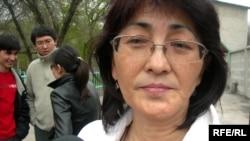 «АрРухХақ» қоғамдық қорының төрайымы Бақытжан Төреғожина. Алматы, сәуір, 2009 жыл.