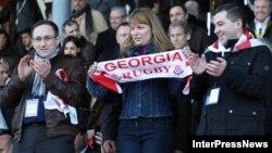 Gürcüstan prezidentinin həyat yoldaşı Sandra Roelofs reqbistlərə azarkeşlik edir