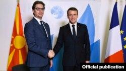 Presidenti i Francës, Emmanuel Macron dhe ai i Maqedonisë së Veriut, Stevo Pendarovski