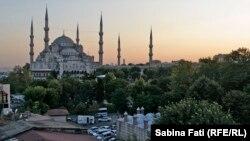 Pe Drumul Mătăsii la sfîrșit de periplu: lumini și umbre în Turcia.