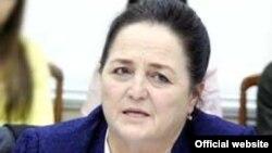 Сенатор Мақсуда Ворисова (сурат ХДПнинг расмий сайтидан олинди)