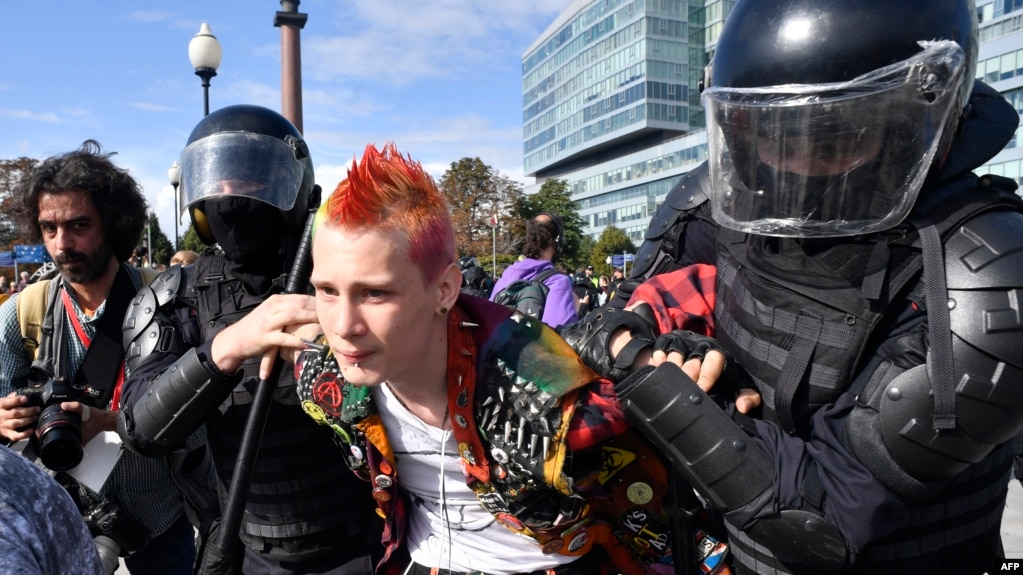 Its Not Just Demonstrators Saying >> Bums Freaks And Gypsies How Pro Kremlin Media Depict The Moscow