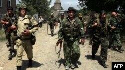 Активное участие в российско-грузинском противостоянии приняли добровольцы, которые прибыли в Южную Осетию из России. Cреди них было много жителей Северной Осетии