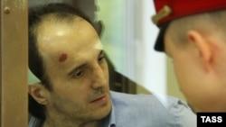 Юсуп Темирханов. На нем следы избиения полицией (архивное фото)