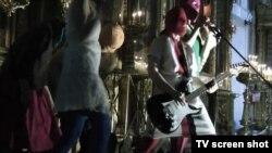 Выступление группы Pussy Riot в церкви