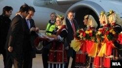 Индискиот бизнисмен Субрата Рој во посета на Македонија на средба со министерот за финансии Зоран Ставрески.