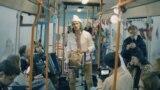 """Трамвай """"Калядны цуд"""". Сьпявае Сяржук Доўгушаў. Менск, 23 сьнежня 2019 г."""