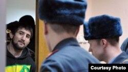 Расул Мирзаев в зале суда