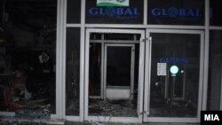 """Изгаснат пожарот во трговскиот центар """"Глобал"""" во Струмица"""