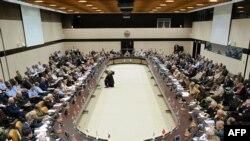 НАТО-ның Брюссельдегі штаб-пәтерінде ұйымға мүше елдер қорғаныс министрлерінің жиыны өтіп жатыр. Бельгия, 5 мамыр 2011 жыл.