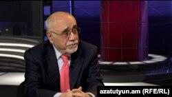 Ռուս-հայկական համալսարանի Համաշխարհային քաղաքականության և միջազգային հարաբերությունների ամբիոնի վարիչ Արման Նավասարդյան