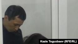 Асет Нуржаубай во время оглашения приговора. Алматы, 2 октября 2018 года.