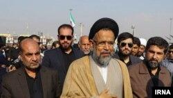 وزیر اطلاعات ایران در حال بازدید از مرز چزابه