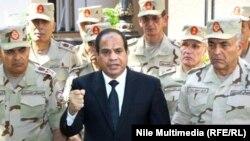 Президент ас-Сиси в окружении генералов