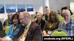 27 кастрычніка ўдзельнікі 3-га беларускага праваабарончага форуму абмяркоўвалі праблемы кантактаў зь дзяржавай