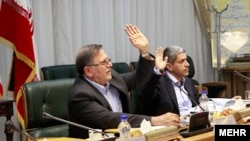 شورای پول و اعتبار؛ ولیالله سیف رئیس کل بانک مرکزی و علیطیبنیا وزیر اقتصاد (راست)
