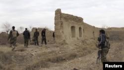 Военные Национальной армии Афганистана во время патрулирования района. Иллюстративное фото.