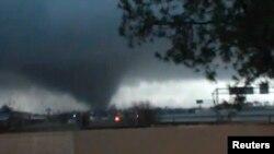 Foto të tornados