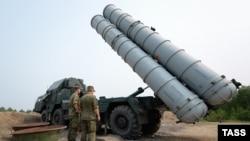Російська зенітна ракетна система С-300