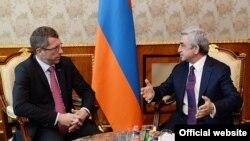 Եվրախորհրդարանի պատգամավոր Ֆրանկ Էնգելը Հայաստանի նախագահ Սերժ Սարգսյանի հետ հանդիպման ժամանակ, Երևան, 18-ը ապրիլի, 2014թ․