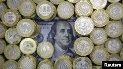 Теңге мен доллар. (Көрнекі сурет)