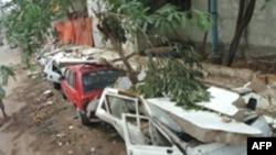هم اکنون شهرداری کراچی، برای برقرار کردن برق شهر و پاک کردن خيابان ها تلاش می کند.