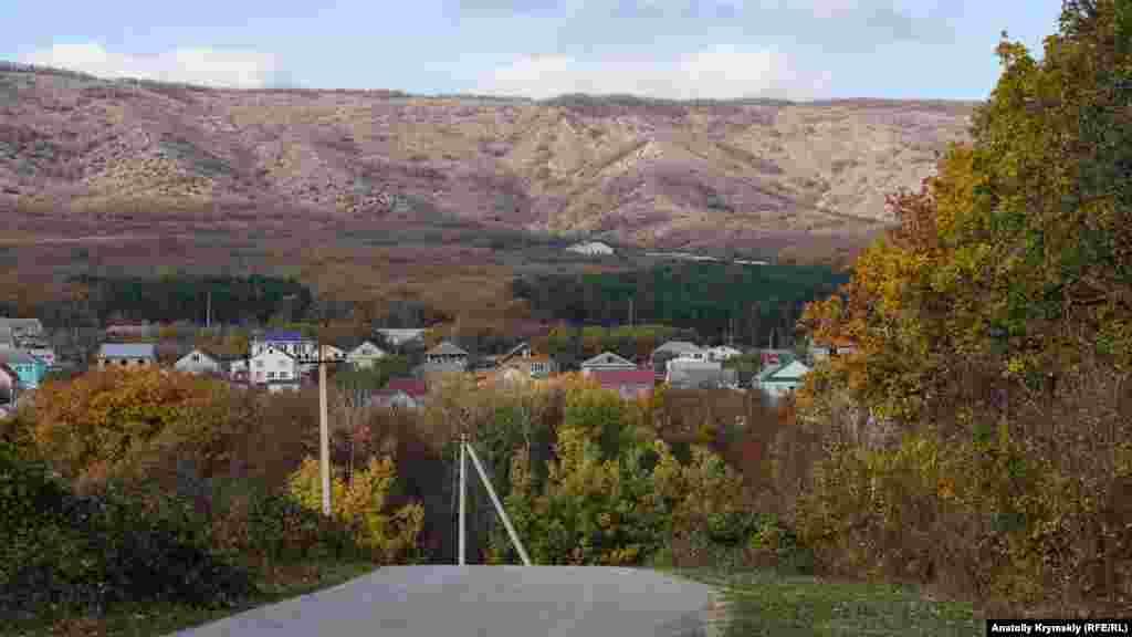 Асфальтированную дорогу от Старого Крыма к монастырю проложили в 2008 году, накануне официального празднования 650-летия армянской святыни. На это потратили шесть миллионов гривен