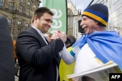 Міністр закордонних справ України Павло Клімкін на акції підтримки євроінтеграції України в Амстердамі. 3 квітня 2016 року