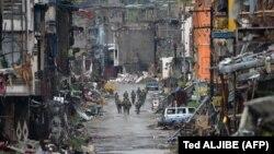وزیر دفاع فیلیپین، اول آبان ماه گفته است «شبهنظامی دیگری در شهر ماراوی نماندهاست»